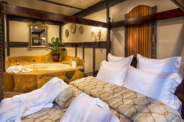 castle airbnb australia